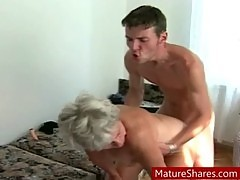 Chubby amateur granny hardcore sex