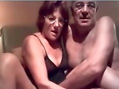 Older amateur couple home video My Granny Exposed