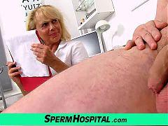 Wicked lady doctor Koko cfnm hospital handjob