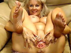 Webcam Busty 47 year old slut with big pussy teasing