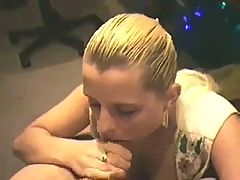Wife gives a nice bj with big cumshot