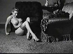 Cindy strips nude
