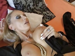 A quick fuck with a charming milf