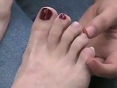 Amateur lesbian feet bymonique
