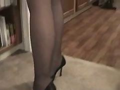 Brandi gives blow and footjob in pantyhose