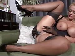 Sexy MILF masturbate CamTips net