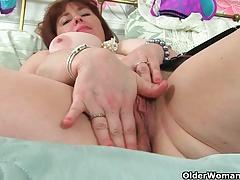 British milf Janey masturbates her unshaven pussy