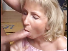 Mature divorcee janet loves thick cock n cum