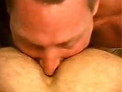 Str8 guy gets seriously bisexual!