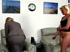 Blondes Girl Spanked