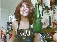 Mature hardcore bitch with a air pump