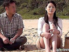 AzHotPorn com Asian Sugarcane Field MILF Outdoor Sex