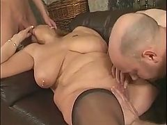 Horny saggy mature nailed in a 3some