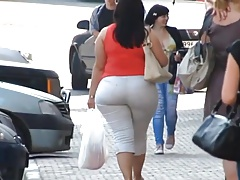 Big Hips Summer Madness 140