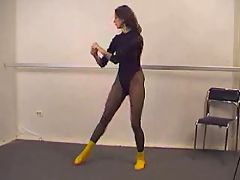 Sexy Gymnast In Pantyhose M27