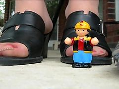 Giantess in pantyhose