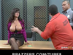 Big Tit Milf Lisa Ann is doublepenetrated in hardcore gangbang