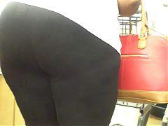 Older Ebony Lady Plump Ass No Panties