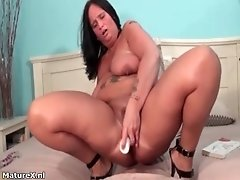 Nasty fat woman goes crazy dildo fucking her cunt by ma