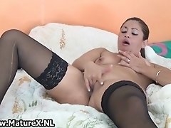 Thick mature housewife in sexy black stockings love fuc