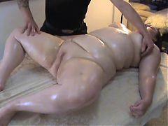 A leisurely massage 1 06